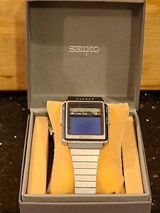 First Gen SEIKO T001-5000  DX-01 JAMES BOND WRISTWATCH LCD TV TELEVISION WATCH