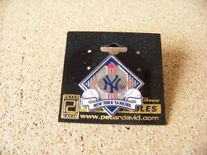 NY New York Yankees red pinstripe diamond lapel pin MLB
