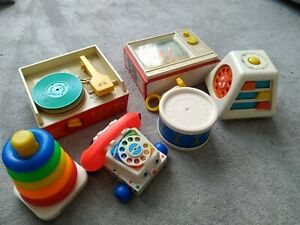 VINTAGE FISHER PRICE TWO TUNE TV RECORD PLAYER TURN AND LEARN TELEPHONE