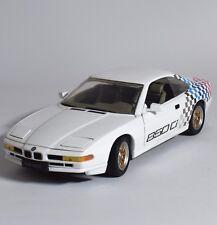 Revell BMW 850 Ci Sportwagen in weiss lackiert, 1:18, V001