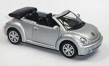 NEU: VW New Beetle 2003 Cabrio silber Convertible Sammlermodell 1:32 v. KINSMART