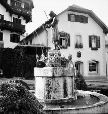AUTRICHE c.1953 -Fontaine Statue de Mozart Sankt Gilgen- Négatif 6 x 6 - Aut 178