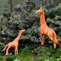 2Pcs Artificial Mini Sika Deer Giraffe Fairy Garden Miniatures Figurines Decor N