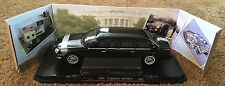 YAT MING 2001 Cadillac DeVille Presidential Limo Diecast 1:24 Scale