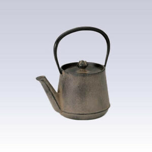 Nanbu Tetsubin - Wood Grain - 0.6 Liter : Japanese cast iron teapot