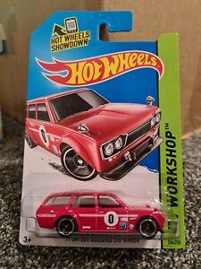 Hot Wheels '71 Datsun Bluebird 510 Wagon Red