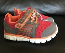 NWT Toddler Boys Size 5 Grey/Red Sneakers With Lights, Surprize By Stride Rite!