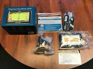 MAGELLAN ROADMATE 2035 GPS -- WITH LIFETIME TRAFFIC ALERTS - NEW IN BOX