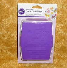 Button Flower Fondant Cut & Press,Wilton,Plastic,Purple/White,1907-1306,