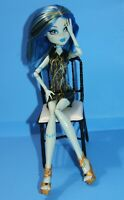 Articulated MONSTER HIGH Freaky Fusion Recharge FRANKIE STEIN DOLL DRESSED