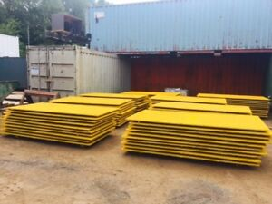 2.400 Mtr Long x 1.200 Mtr Wide x  18.5 mm Thick  Anti Skid Steel Road Plate Pai