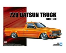 Aoshima 1;24 Scale Plastic Model Kit - 720 DATSUN CUSTOM TRUCK 1982 146