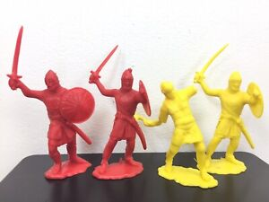 Ideal Red and Yellow 60mm Knights 60's not Recast Castle Playset