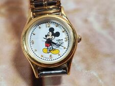 Mickey Mouse Gold Tone Vintage Lorus Watch V811-X103 Two-Tone Band
