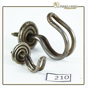 Ganci appendiabiti vintage antichi in metallo ferro con vite per legno shabby