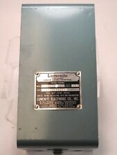 NEW IN BOX LUMENITE LIQUID LEVEL CONTROL RELAY BOX FL2011 CONDUCTIVE