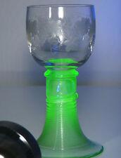Römer Weinglas Trompetenfuß gesponnen Uranglas Gravur Original ca. 1880 16fe