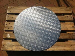 ALU Riffelblech3,5/5mm Ronden 800 - 1150mm / Schachtabdeckung / Gulliabdeckung