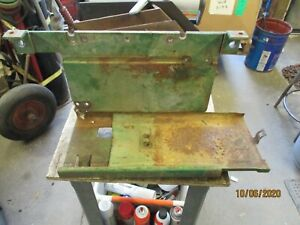 JOHN DEERE 2010 BATTERY BOX W/SLIDING BASE GOOD CONDITION