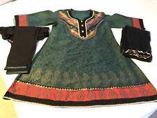 Green and black Cotton 3-piece Indian Salwar kameez. Size 42.