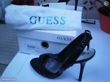chaussures GUESS pointure 35 (neuves)
