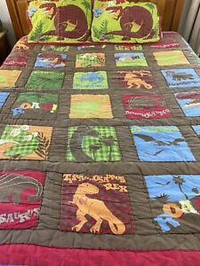 """Vintage Hand Quilted Dinosaures Quilt And 2 Shams 85"""" x 79"""" Standard Shams #752"""
