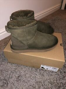 Genuine Ugg Boots Size 6.5 Khaki