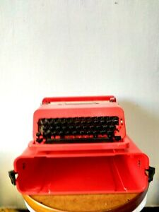 Olivetti Valentine Typewriter w/ Case Red RARE Vintage work Tested rare amazing
