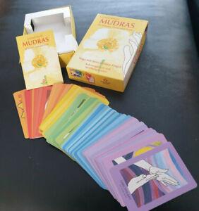 Mudras für Körper, Geist und Seele neu Karten Yoga Finger Gertrud Hirschi Box Se
