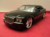 Jada 2005 Chrysler 300 Hemi  1:24 Scale used no box 2005 no longer made
