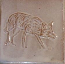 FOX TILE fatto a mano, a basso rilievo Piastrelle, Tack Room, Cucina Fattoria di Helen Baron