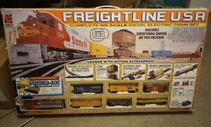 "Life-Like Trains ""FREIGHTLINE U.S.A"" Complete HO Diesel Electric Train Set LOOK!"