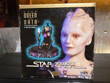 """Borg Queen & Data 6"""" Cold Cast Diorama Latinum Edition"""