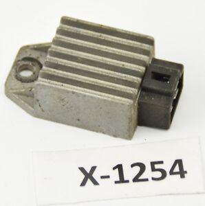Cagiva W8 125 Bj.2000 - Spannungsregler Gleichrichter