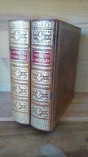Boîte secrète, trompe l'oeil : faux livres en cuir, boîte ancienne.