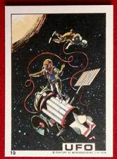 UFO - EXTRA-VEHICULAR ACTIVITY (SPACEWALK) - Monty Gum (1970) - Card #19