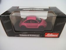 Schuco 04535 VW New Beetle Think Pink 1:43 Limited (3758b)