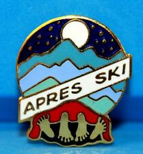 SKI PIN BADGE SKIING  APRES SKI (FRENCH FOR PARTY)