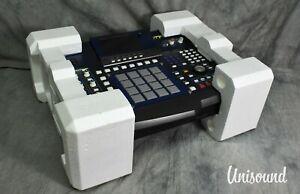 AKAI MPC4000 Music Production Center W/ Original Box in Excellent Condition