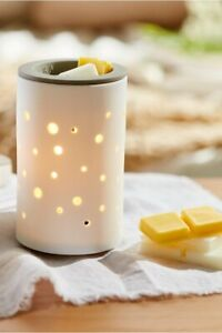 TRAPP Wax Melt Warmer with Easy to Clean Silicone Dish