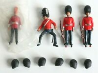 BRITAINS DEETAIL 1971 - Royal Scotts Guard - With Spare Hats