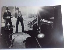 """ALAIN DELON dans """" BORSALINO AND Co """"  - PHOTO DE PRESSE 14x20cm"""