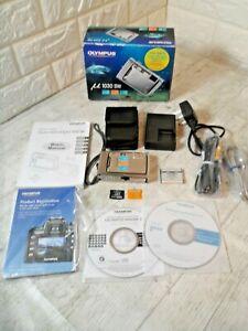 Boxed Olympus µ 1030 SW 10.1MP Digital Camera Silver 2GB Extras VGC **FREE P&P**
