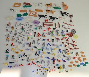 Sammlung Kunstofffiguren - Ritter Cowboys Araber Indianer TIMPO TOYS & andere