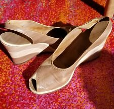 Vintage 1970s Wedge Slingback Heels, Tan Leather Miami Wedgelings Size 10S