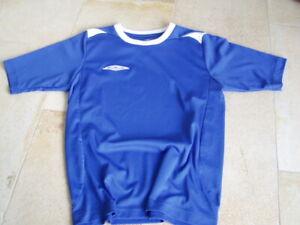 * Cooles mittelblaues Sport Shirt Erima Gr. 134/140 - Jungs *