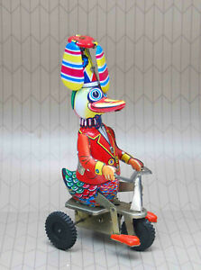 VINTAGE SCHYLLING KEY WIND UP TIN LITHO DUCK TRICYCLE BICYCLE WORKING