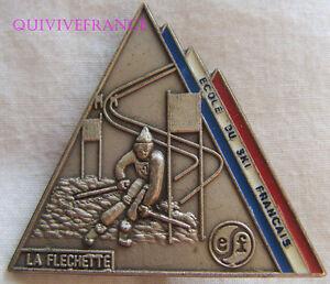 SK1557 - INSIGNE BADGE ECOLE DE SKI FRANÇAIS - LA FLECHETTE