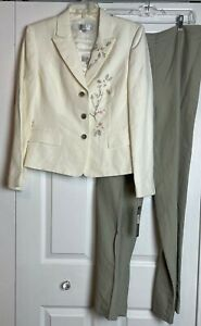Tahari 3PC Pant Suit Embroidered Top Jacket NWT Sz 10 $300 Off White/Olive Green