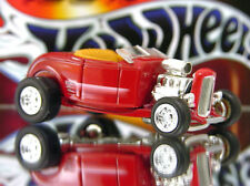 100% HOT WHEELS 1932 FORD HIGHBOY CONVERTIBLE LIMITED EDITION 1/64